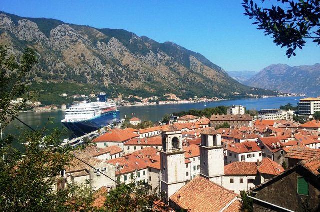 Виза в Черногорию белорусам не нужна.