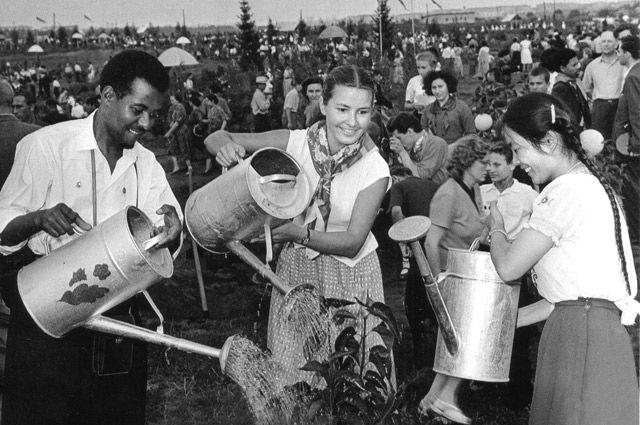 Фестиваль был первым глотком свободы в начале «оттепели».