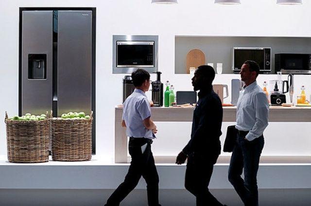 Panasonic показала приезжающий наголос владельца мини-бар