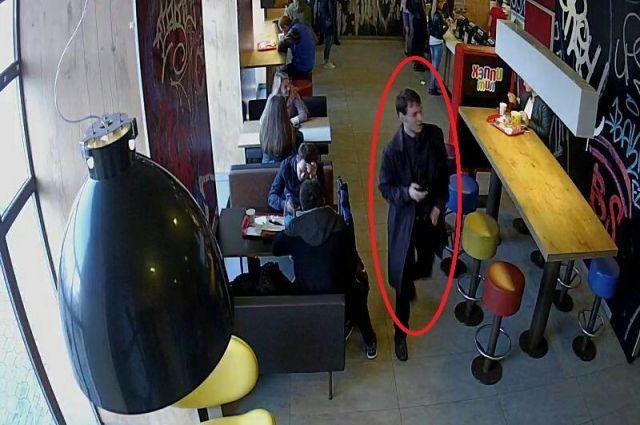 Напавшего настудента вМинске ищут третий день. Появилось видео