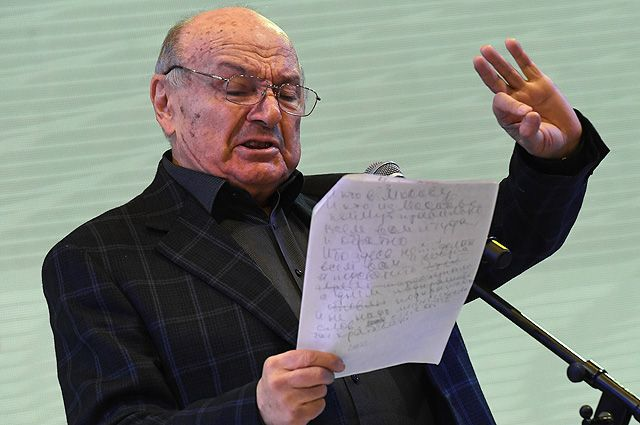 Писатель Михаил Жванецкий.
