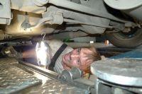 Если клиент не соглашается на допуслуги, то работники автосервиса могут преднамеренно испортить запчасть.