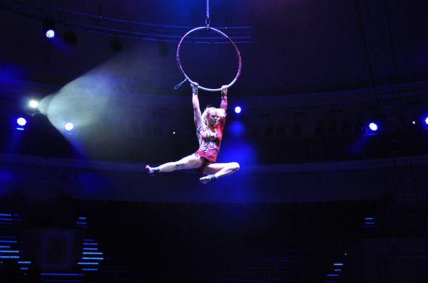 «Воздушная гимнастка «Woman» Алена Павлова (Россия).