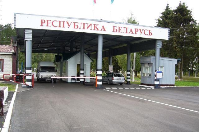 В Белоруссии  задержали россиян, которые везли вбагажнике украинку