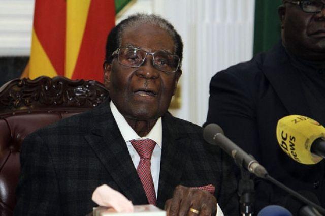 Правящая партия Зимбабве призвала Мугабе немедленно уйти споста президента