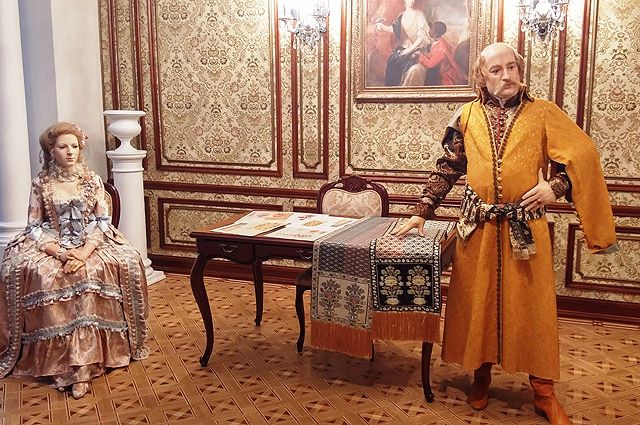 Пояса покупают музеи, некоторые организации, чтобы затем подарить их особо важным гостям.