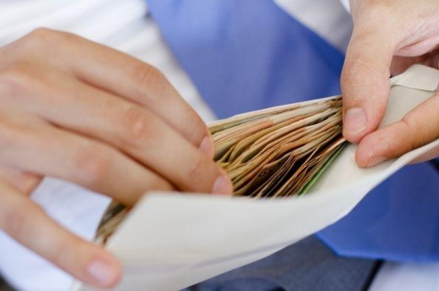 Ксередине осени средняя заработная плата белорусов увеличилась до841 рубля