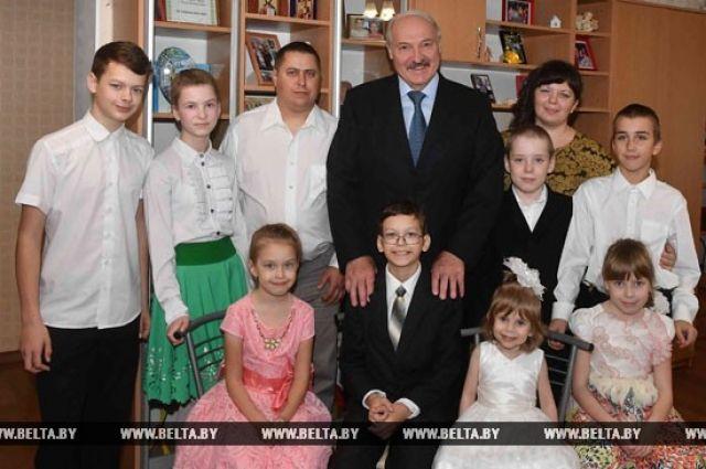 Лукашенко вместо поездки вБрюссель выбрал посещение Буда-Кошелёвского района