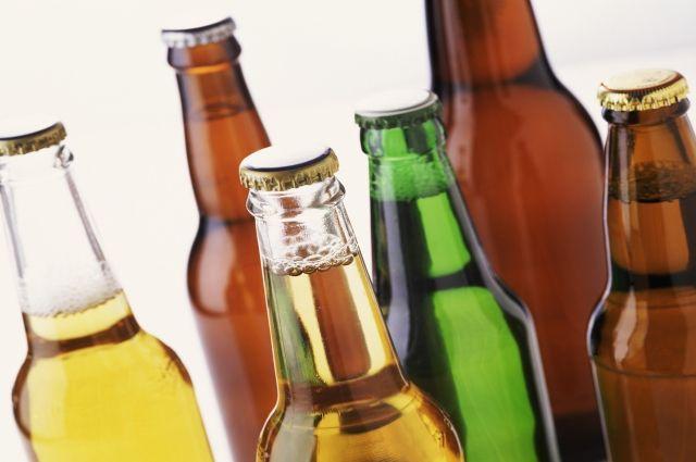 ВМинске двое парней украли 250 бутылок пива прямо из фургона