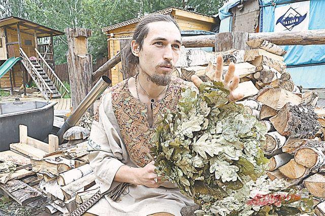 Олег Карабатов - чемпион России по банному парению.