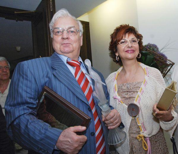 Актер Михаил Державин с супругой — певицей Роксаной Бабаян, 2007 год.