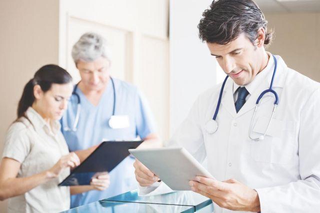 Во всем мире - медики - одни из самых высокооплачиваемых и уважаемых специалистов. У нас престиж профессии - на грани.