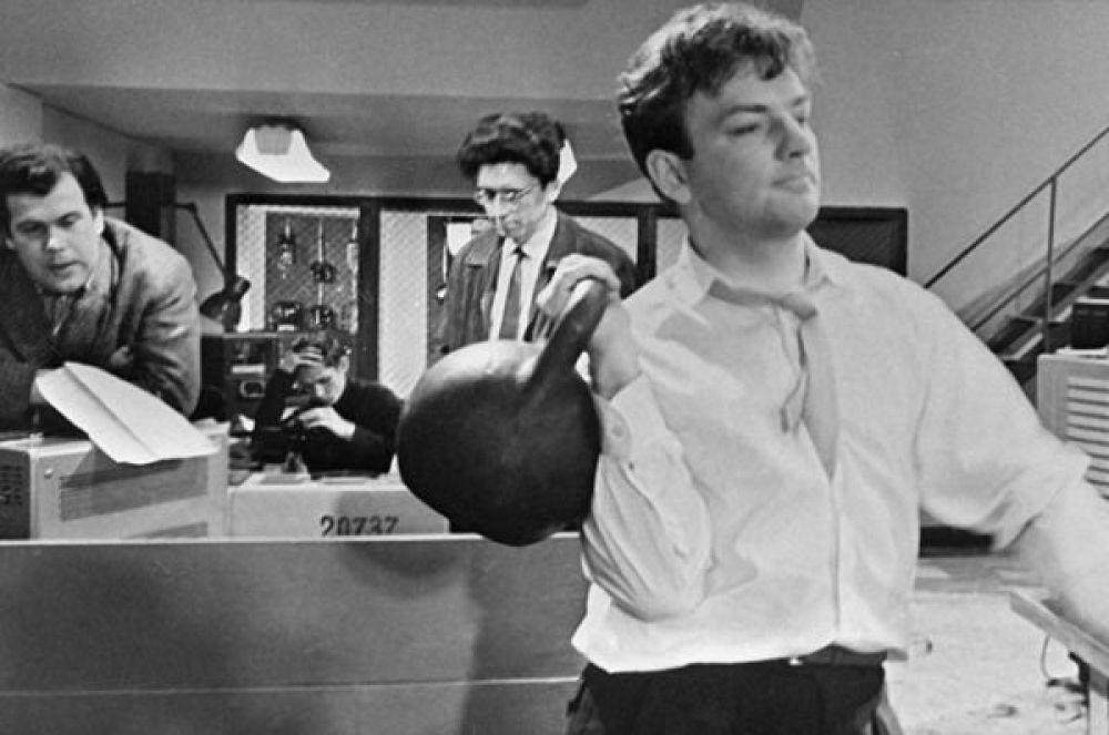 Михаил Державин в роли Бориса в фильме Генриха Габая «Лебедев против Лебедева», 1965 год.