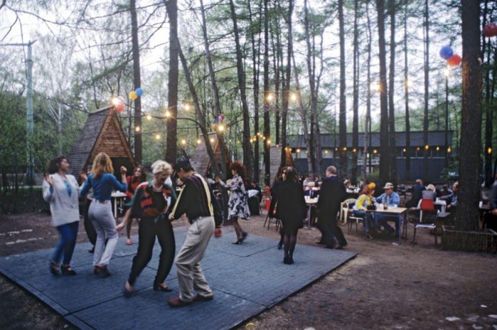 Летняя дискотека в парке «Сокольники». 1997 год.
