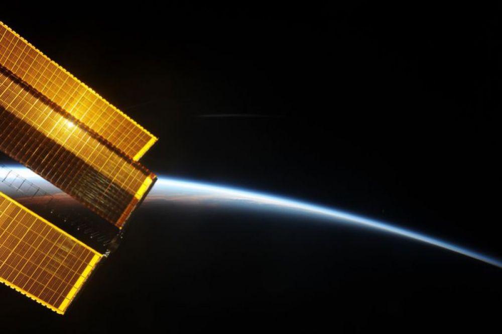 Восход солнца на МКС.