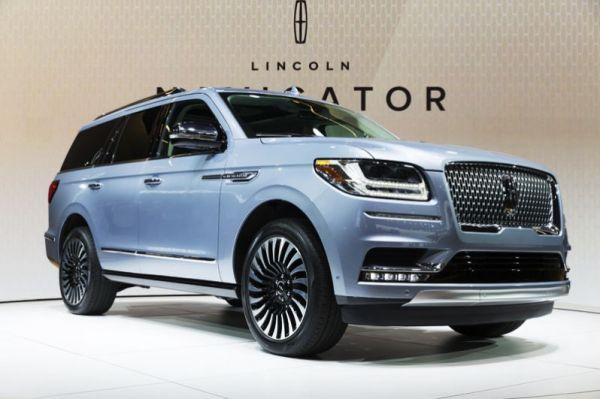 В категории «Внедорожник года» победу одержал Lincoln Navigator.