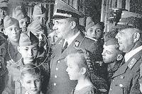 Борман-младший на встрече с отцом в школе НСДАП, 1942 г.