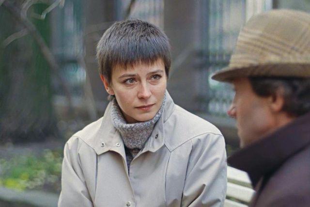 Прическа ее героини, которой потом подражала половина женского населения СССР, появилась случайно.