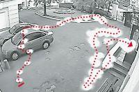 Траектория движения загадочного светящегося объекта, зафиксированного камерой наблюдения во внутреннем дворе редакции «АиФ», август 2015 г.