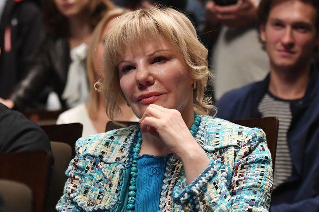 Александра Захарова.