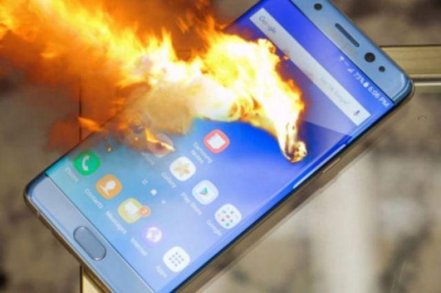 Смартфон Nokia взорвался вовремя разговора, убив владелицу