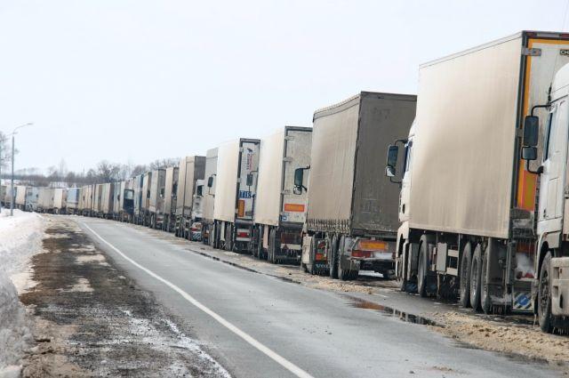 Заезда вЛитву ожидают 900 большегрузов