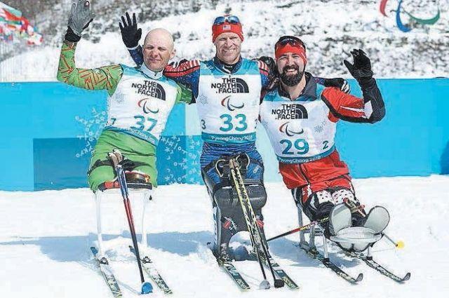 Настоящие герои. Дмитрий Лобан (№37) - «серебряный» призер в биатлонном спринте.