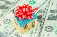 «Налог на подарок» начинается с суммы в 5555 руб.