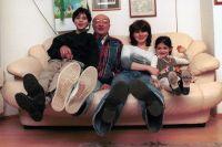 Михаил Козаков с четвёртой женой, Анной Ямпольской, и детьми.