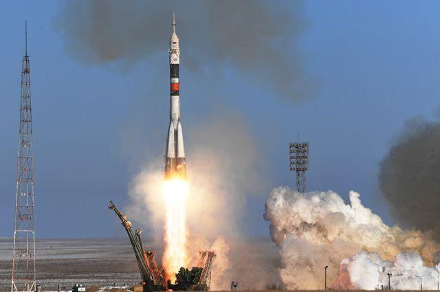 Пуск ракеты-носителя «Союз-ФГ» с транспортным пилотируемым кораблем «Союз МС-07» с космодрома «Байконур».