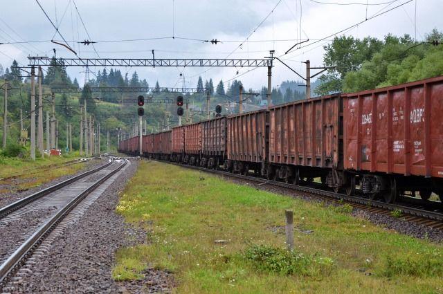 19-летний зацепер получил серьёзные травмы, спрыгнув стоварного поезда под Минском
