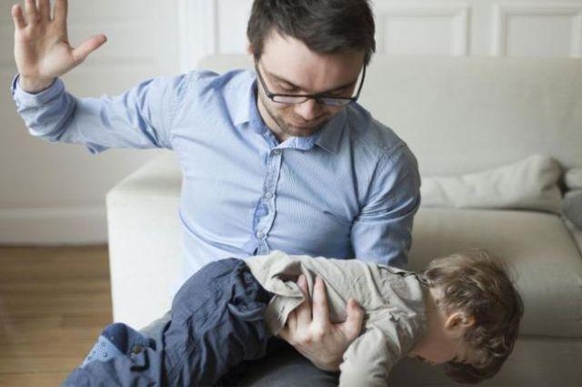 Закон, запрещающий родителям бить детей, могут принять в 2019 году