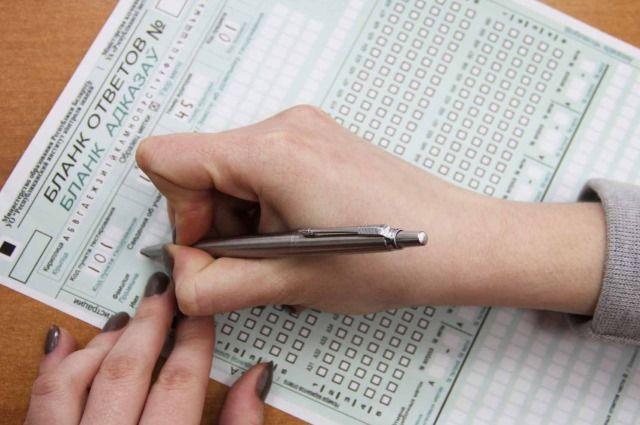 В Беларуси абитуриентам разрешили использовать прошлогодние сертификаты ЦТ