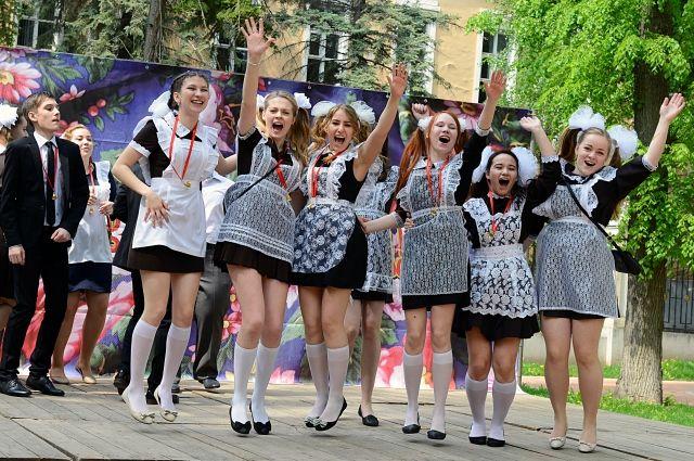 Когда пройдут последний звонок и выпускной вечер в школах Беларуси?    Вопрос-ответ   АиФ Аргументы и факты в Беларуси