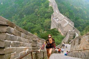 Великая Китайская стена - памятник, который увидеть необходимо.
