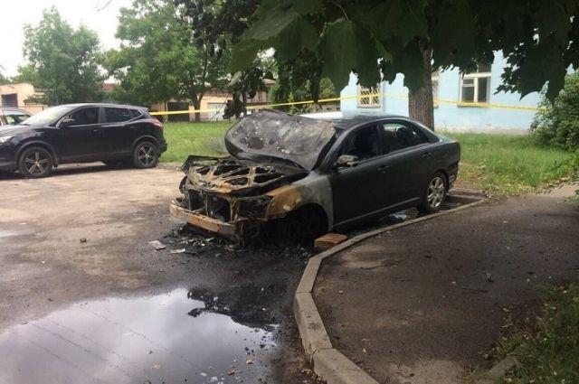 ВМинске подожгли три машины, арядом разбросали куриные тушки