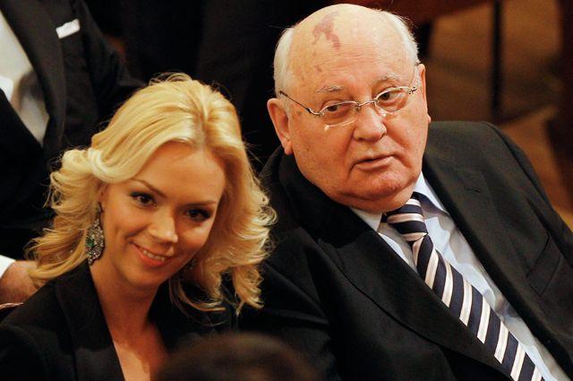 Экс-президент Михаил Горбачев с внучкой Ксенией.
