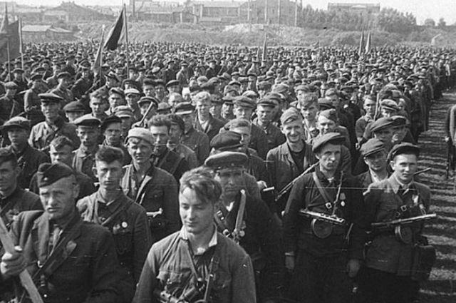 Парад героев-партизан, 16 июля 1944 года, Минск.