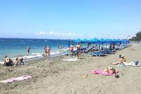 На Кипре около 300 солнечных дней в году и летом практически нет дождей.