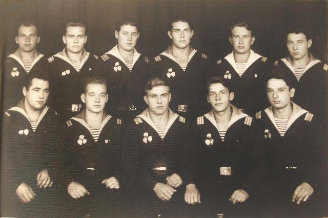 Моряки-подводники, 1960 год.