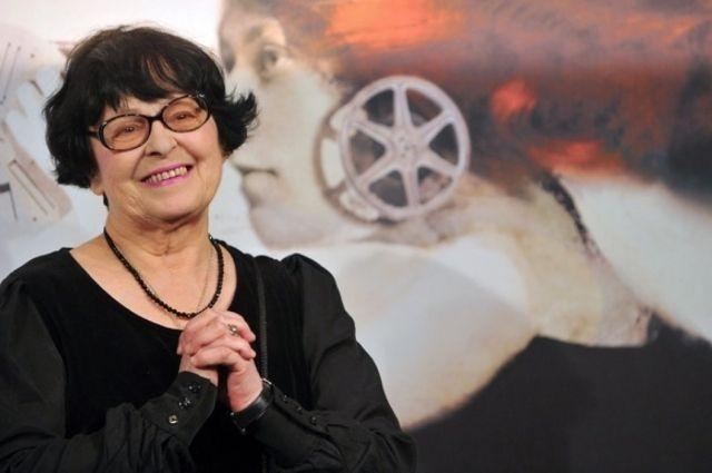 Слоган служит отсылкой к одному из любимых авторов кинофестиваля Кире Муратовой.