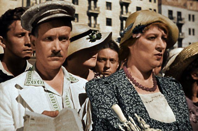 Петр Репнин (Муля) и Фаина Раневская (Ляля) в фильме «Подкидыш», снятом в 1939 году.