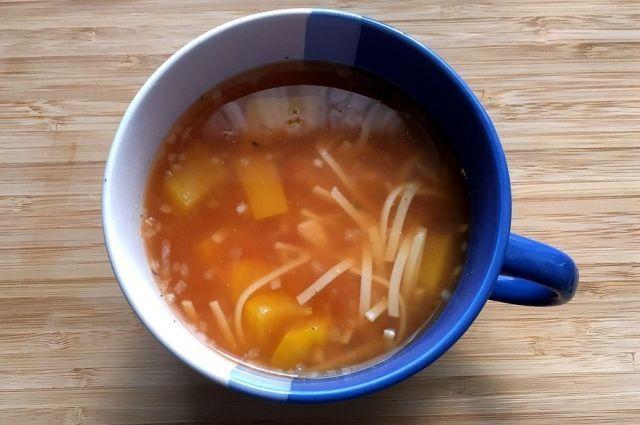 Горячая еда поможет восстановить силы зимой.
