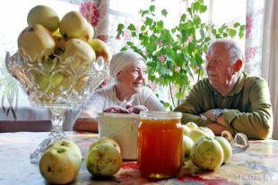 Овощи и фрукты со своих грядок - тоже безусловная польза.