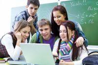 Пока все сведения дети получают в семье, на улице, в Интернете.