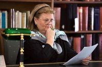 Народная артистка РФ Ирина Муравьева читает текст диктанта на ежегодной образовательной акции по проверке грамотности «Тотальный диктант-2018».