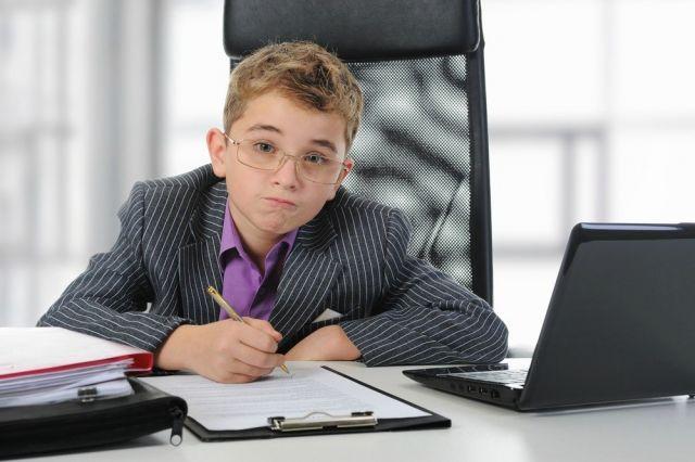 Бизнесменом быть можно в любом возрасте. Но распоряжаться деньгами - с 14 лет.