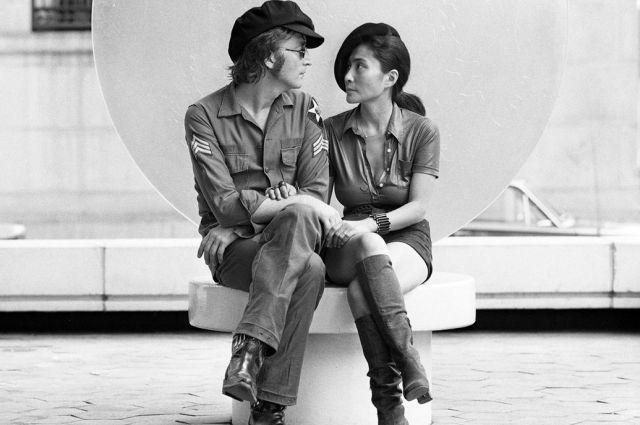 Говорят, Йоко Оно не случайно появилась в жизни Джона Леннона.
