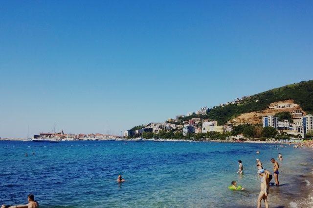 Туристы все чаще склоняются к отдыху в Черногории и Албании.