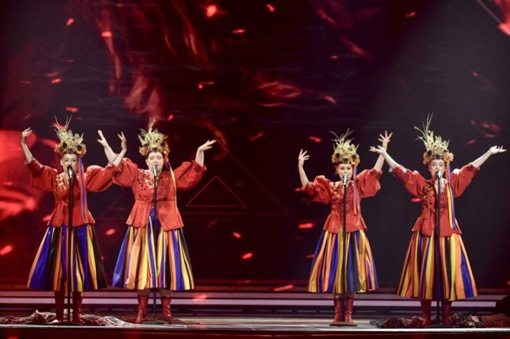 Группа Tulia, исполняющая фольклорную музыку, будет представлять Польшу. Коллектив споет песню «Fire of Love».